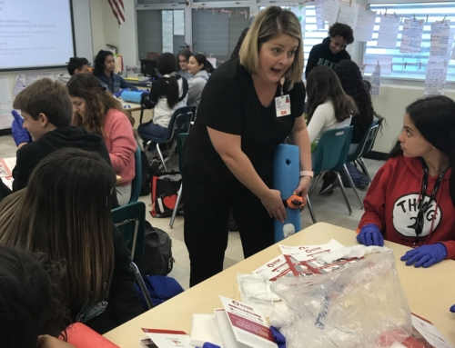 Coral Reef Students Train for Emergency Situations